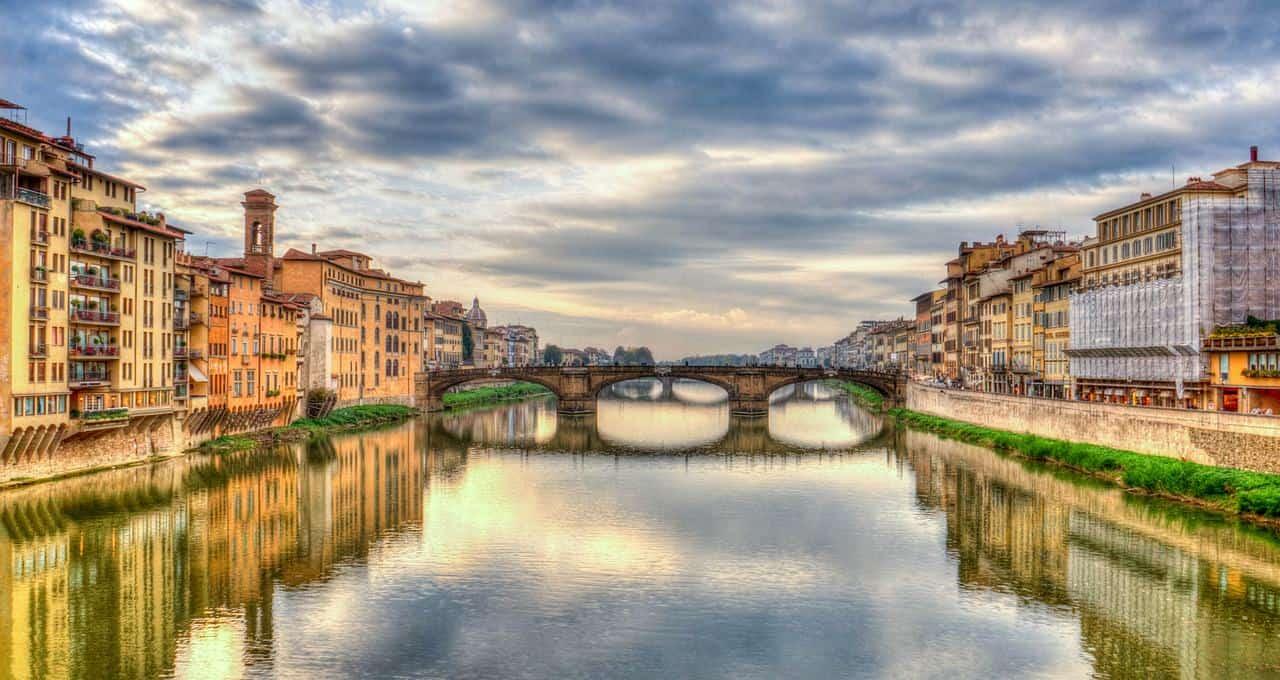Nel mercato immobiliare italiano si conferma il trend a due velocità