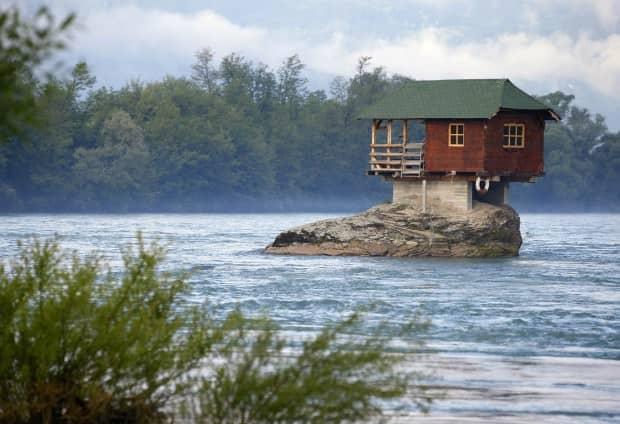 Casa sulla roccia in Serbio