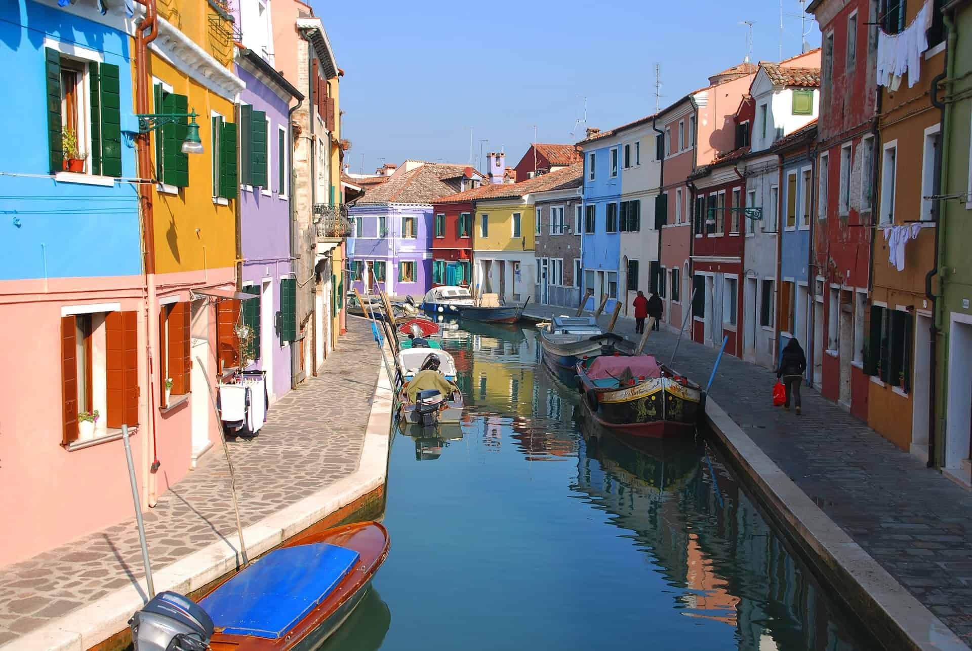le case colorate di Murano rappresentano un'attrattiva unica per tutti i turisti che si recano sull'Isola