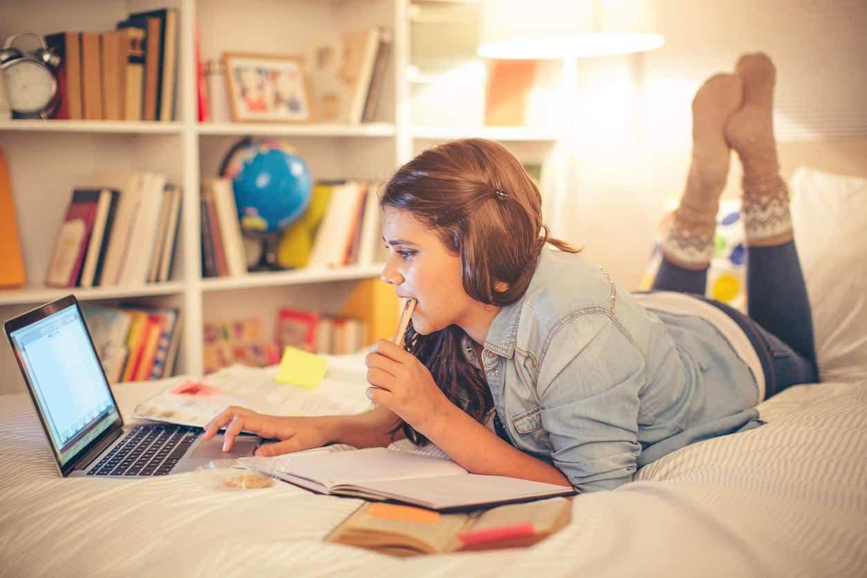 La camera per gli adolescenti e le loro necessità