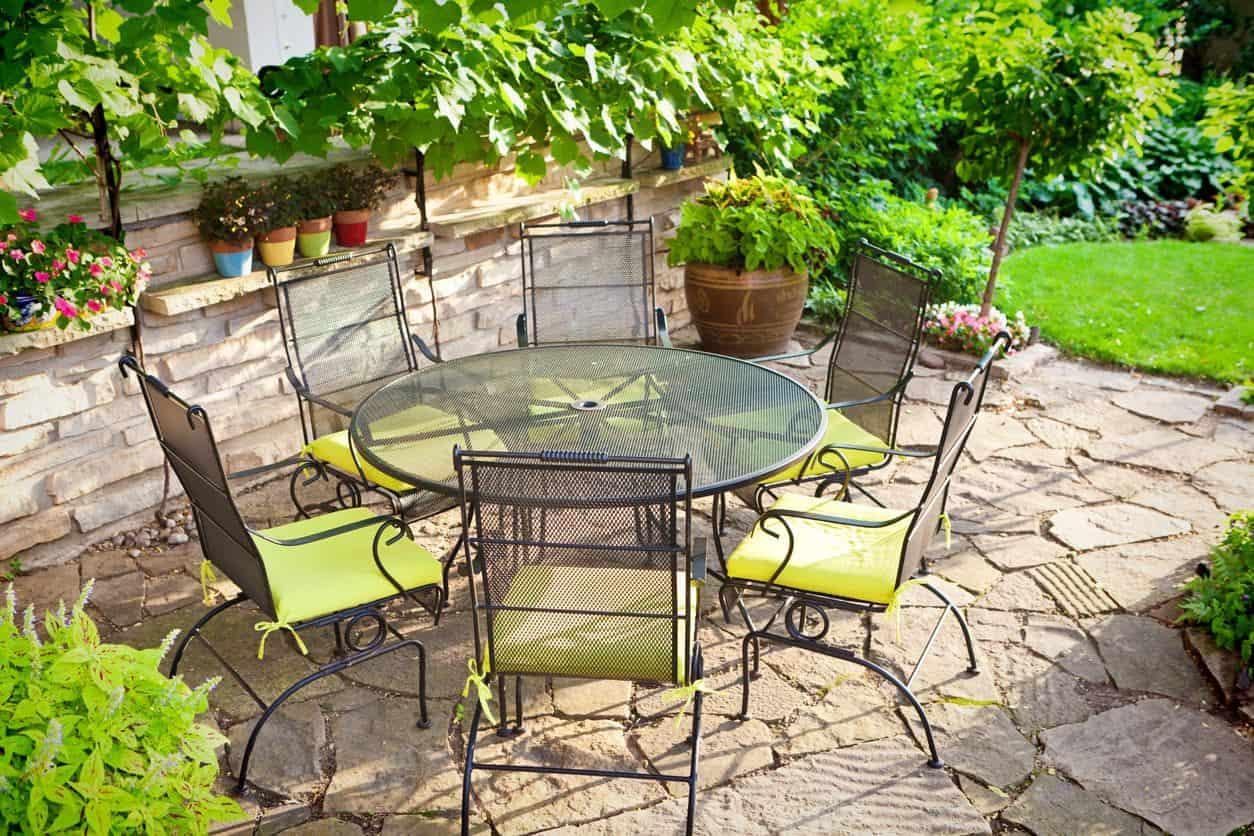 Sistemare Giardino Di Casa come arredare un piccolo giardino, ecco i consigli
