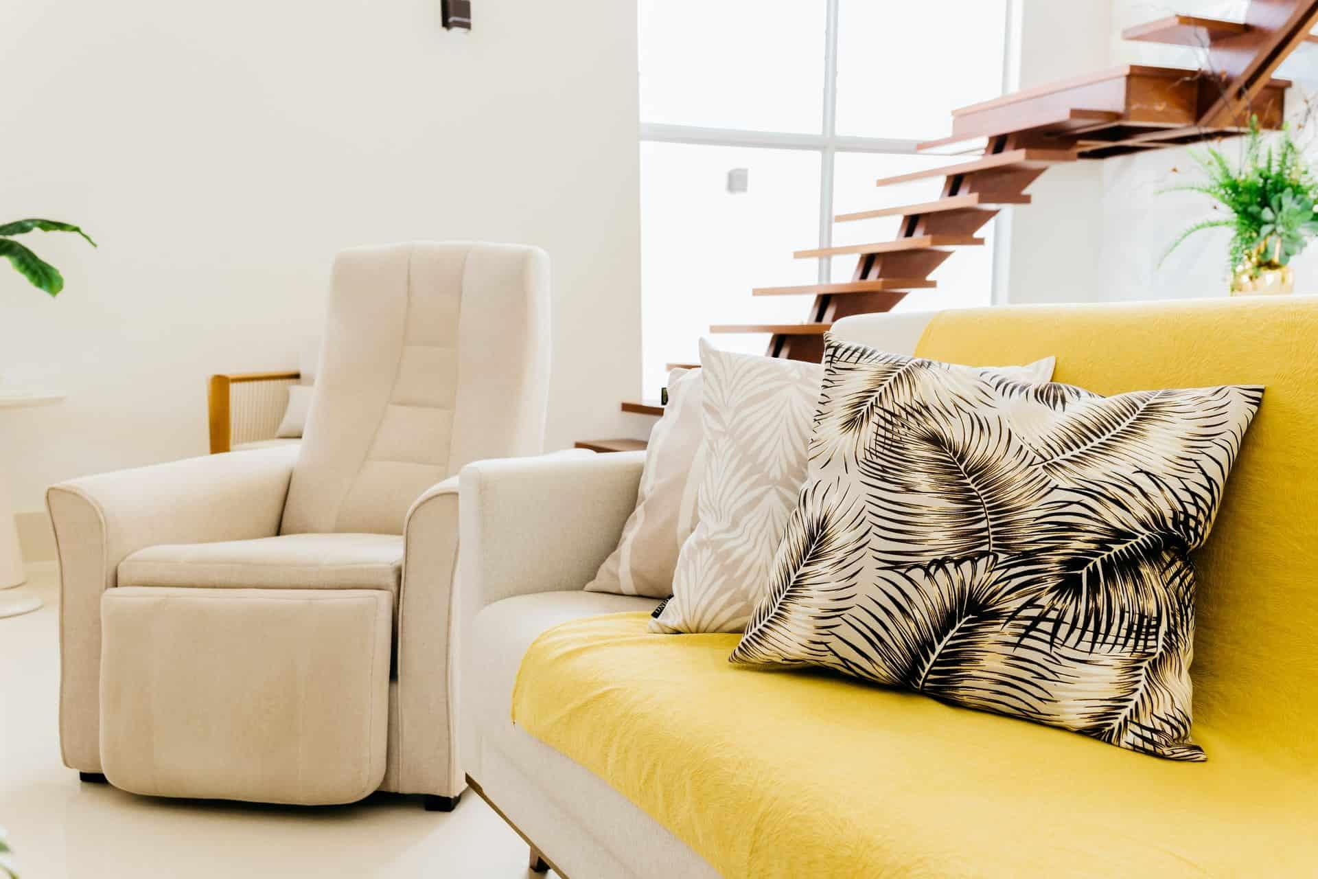 poltrona e cuscini casa