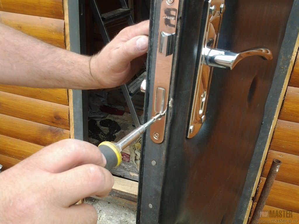 aprire porta bloccata