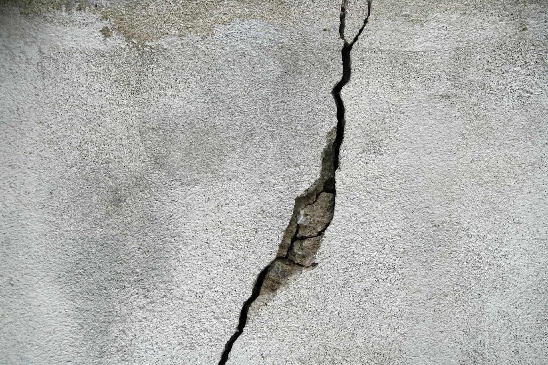 distinguere crepe pericolose muro