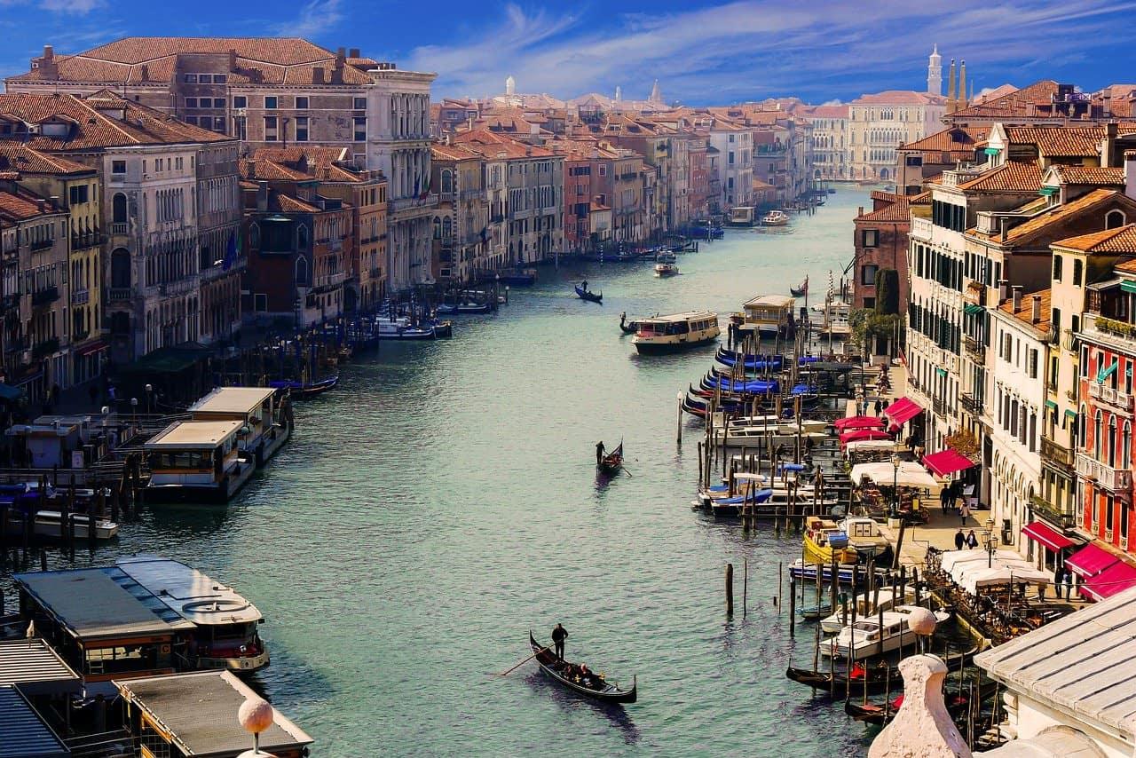 girare venezia in gondola